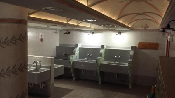locale lavaggio stoviglie
